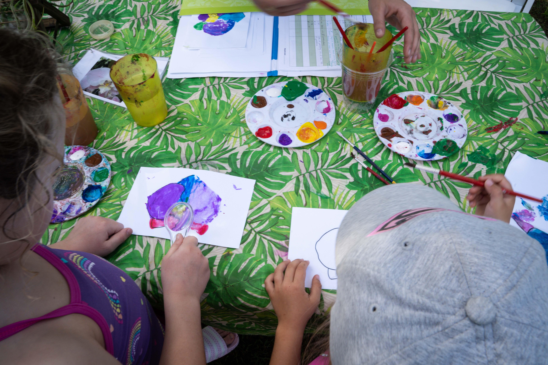 Garden Guests make botanical crafts in Education program W.O.N.D.E.R.
